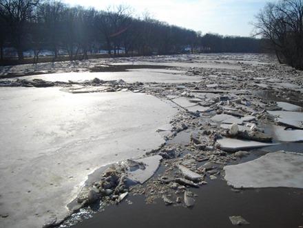 Ice breakup Skunk_River_at_Augusta_-USGS