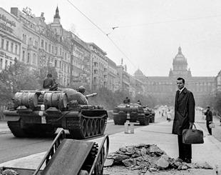 Soviet tanks Prague