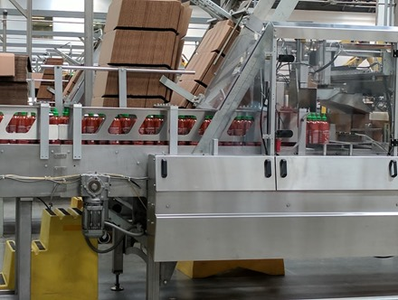 huy fong bottling line