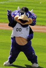 Dinger mascot